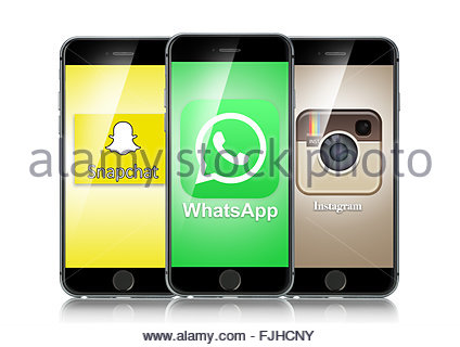 how to download whatsapp on iphone 5