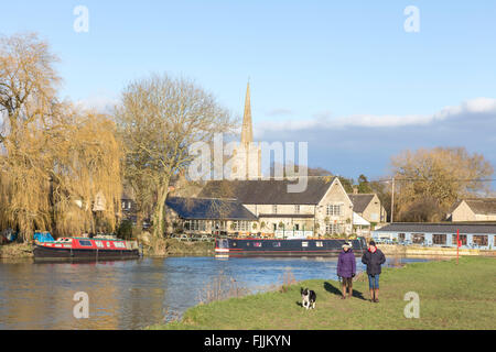 River Thames and the Cotswold town of Lechlade-on-Thames, Gloucestershire, England, UK - Stock Photo