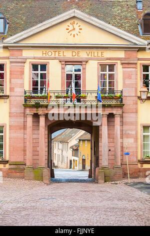 France haut rhin village de zellenberg sur la route des for Colmar berg piscine