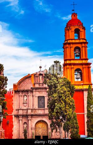 Templo Del Oratorio De San Felipe Neri Church Facade San Miguel de Allende, Mexico. Built in 1700s - Stock Photo
