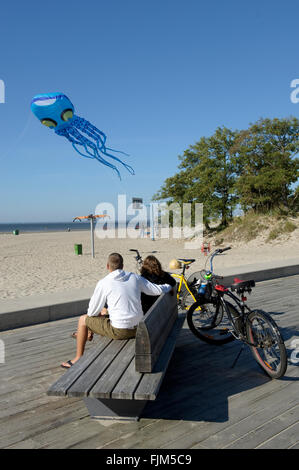 geography / travel, Estonia, Pärnu, beaches, couple watching kite in shape of an octopus, Additional-Rights-Clearance-Info-Not-Available