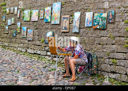 geography / travel, Estonia, Tallinn, pavement artist in the old town, Additional-Rights-Clearance-Info-Not-Available - Stock Photo