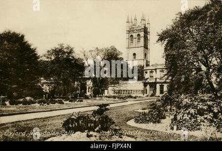 Magdalen College, Oxford University. View from the Botanical Gardens. Postcard 1900s - Stock Photo