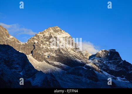 Mountain range of Khumbi Yul Lha peak. Sagarmatha National Park. Solukhumbu District. Nepal. - Stock Photo