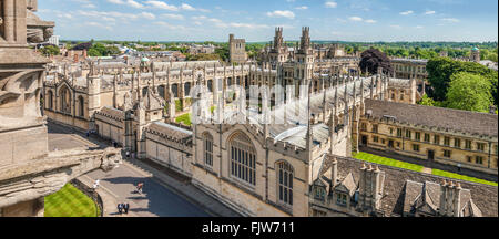 Medieval Skyline of the university city Oxford England. | Aussicht ueber die Altstadt von Oxford, England - Stock Photo