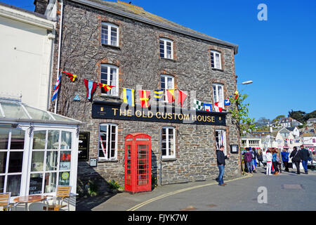 The Old Custom House pub in Padstow, Cornwall, UK - Stock Photo