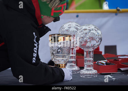 Arosa, Switzerland. 4th March, 2016. Staff is preparing the FIS Crystal globes for the World Cup winners at the - Stock Photo