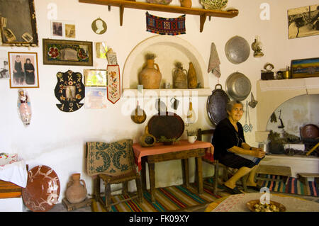 Griechenland, Kreta, Makrigialos, das kleine Volkskundemuseum im Bergdorf Pefki - Stock Photo