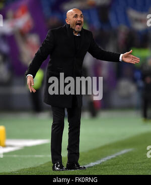 Rome, Italy. 4th Mar, 2016. Roma's head coach Luciano Spalletti gestures during the Italian Serie A football match - Stock Photo