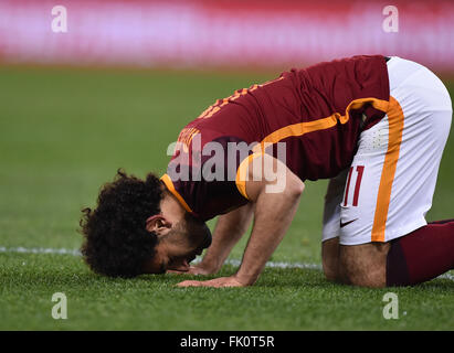 Rome, Italy. 4th Mar, 2016. Roma's Mohamed Salah celebrates after scoring during the Italian Serie A football match - Stock Photo