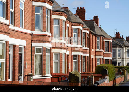 Row of bay fronted Victorian terraced houses - Stock Photo