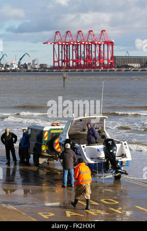 New Brighton, Wallasey.  6th March 2016. UK Weather.   Mother's Day Sea Fishing Competition.  Sea fishing the Mersey - Stock Photo