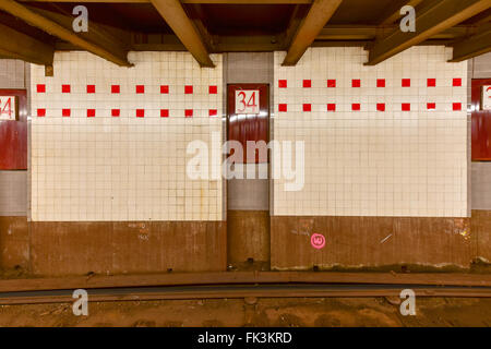 New York City - February 16, 2016: MTA 34th Street Subway Station, Herald Square in New York City. - Stock Photo