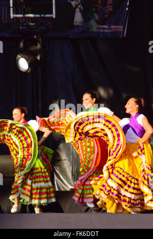 Mexican folk dance, dancers from Mexico. - Stock Photo