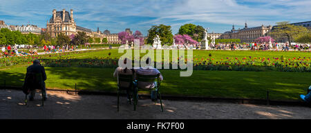 Paris, France, Groups of Young People Enjoying Warm Weather, Spring, in Tuileries Garden, 'Jardin des Tuileries', - Stock Photo