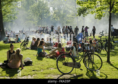 Population in the Vondelpark on a hot day - southern city - Stock Photo