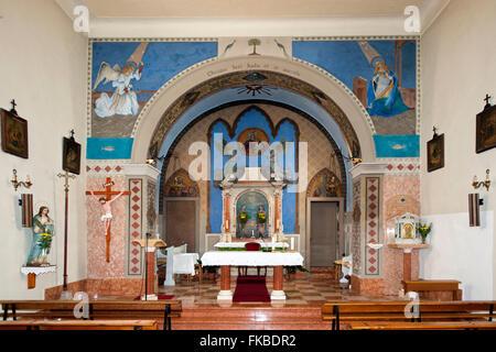Kroatien, Insel Cres, Valun, Pfarrkirche St. Maria - Stock Photo