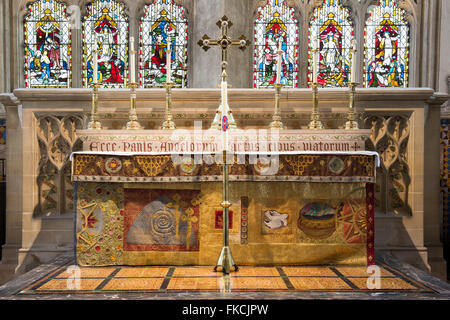 Dorchester abbey east window and altar. Dorchester on Thames, Oxfordshire, England - Stock Photo