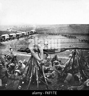 French troops and transport on 'The sacred road,' during the World War I Battle of Verdun, 1916 - Stock Photo