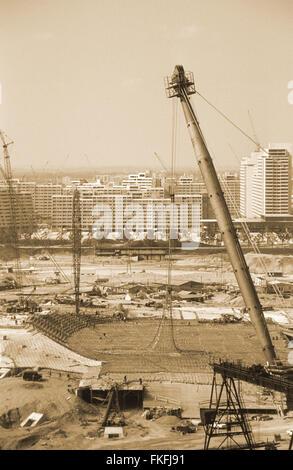Blick vom Schuttberg auf das im Bau befindliche Olympiastadion. The Munich Olympic Park under construction for the - Stock Photo