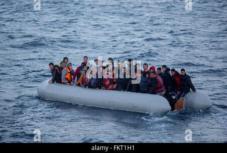 Mytilini, Greece. 10th Mar, 2016. A refugee boat with about 35 refugees seen from the rescue cruiser Minden on the - Stock Photo