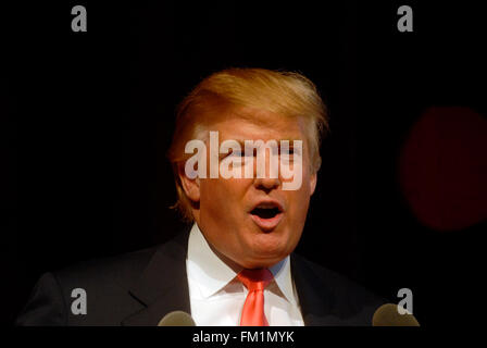 Real estate mogul Donald J. Trump at a news conference on September 19, 2007  officially announcing the sale of - Stock Photo