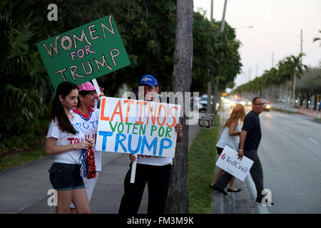 Miami, FL, USA. 10th Mar, 2016. Florida, USA - United States - Donald Trump supporters outside of the Bank United - Stock Photo