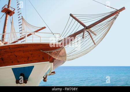 Wooden cruising yacht's bow - Stock Photo