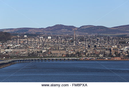 Plane landing Dundee Scotland  March 2016 - Stock Photo