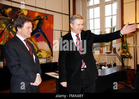 Sir Michael Arthur, Klaus Wowereit - Antrittsbesuch des neuen britischen Botschafters beim Berliner Oberbuergermeister, - Stock Photo