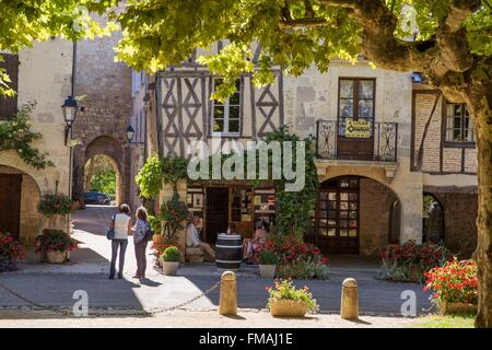 france gers fources labelled les plus beaux villages de france stock photo royalty free. Black Bedroom Furniture Sets. Home Design Ideas