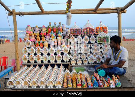 India, Odisha, seller on the beach - Stock Photo