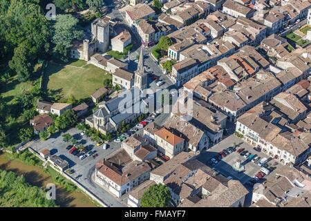 France, Dordogne, Eymet, the walled town (aerial view) - Stock Photo