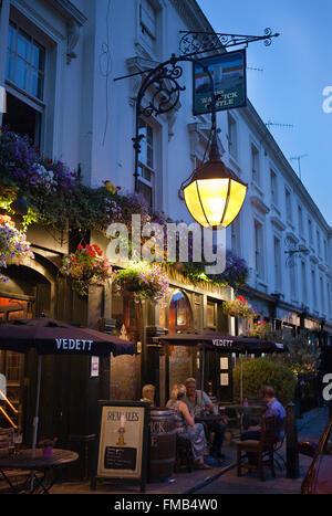Warwick Castle pub in Little Venice,London - Stock Photo