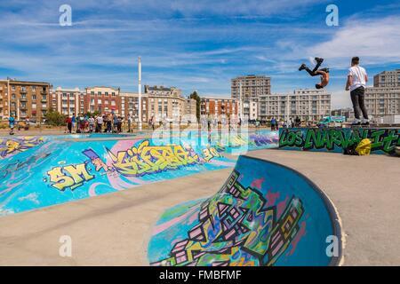 France, Seine Maritime, Le Havre, the skate park - Stock Photo