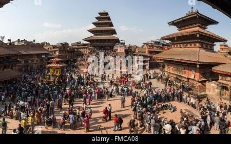 Nepal, Bagmati zone, Bhaktapur, listed as World Heritage by UNESCO, Bisket Jatra Newari 2072 new year, Bhairab cart - Stock Photo