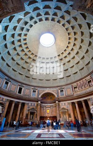Italy, Lazio, Rome, historical center listed as World Heritage by UNESCO, the Pantheon - Stock Photo
