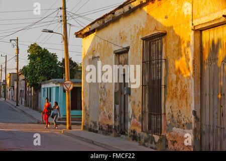Cuba, Holguin, Gibara, House with ocher walls decrepit - Stock Photo