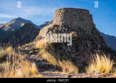 Peru, Cusco Province, Incas Sacred Valley, Pisac, inca archeological site - Stock Photo