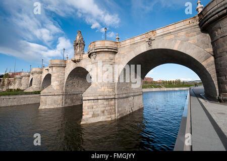 Views of Toledo Bridge, Puente de Toledo in Spanish, over Manzanares River, Madrid, Spain. It was built in XVII - Stock Photo