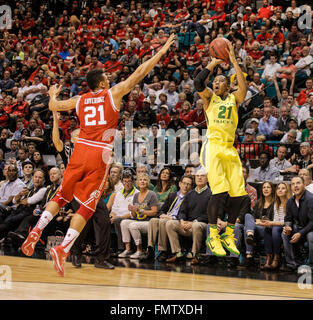 Las Vegas, NV, USA. 12th Mar, 2016. Oregon during the NCAA Pac 12 men's basketball championship between Oregon Ducks - Stock Photo