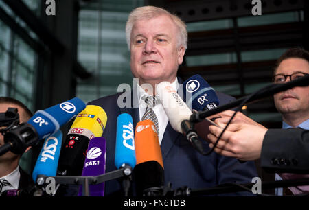 Munich, Germany. 14th Mar, 2016. The Premier of Bavaria, Horst Seehofer (CSU) speaks to journalists prior to the beginning of the CSU party executive meeting in Munich, Germany, 14 March 2016. Photo: Sven Hoppe/dpa/Alamy Live News