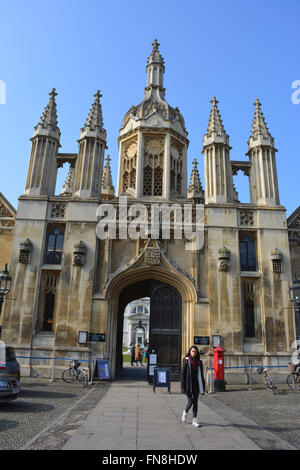Facade and main entrance of King's College, University of Cambridge, seen from King's Parade. - Stock Photo