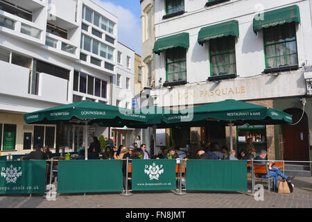 Don Pasquale Restaurant with outdoor seating on a warm Spring day, Camridge, England - Stock Photo
