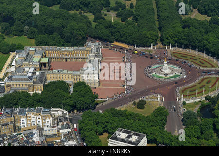 An aerial view of Buckingham Palace during the changing of the guard - Stock Photo