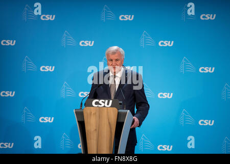 Munich, Germany. 14th Mar, 2016. Bavarian Prime Minister Horst Seehofer at a press conference after the CSU Directorate Meeting in Munich, Germany, 14 March 2016. Seehofer holds the refugee politics of Chancellor Merkel (CDU) responsible for the defeat of the CDU in the state parliament elections on Sunday. PHOTO: SVEN HOPPE/dpa/Alamy Live News