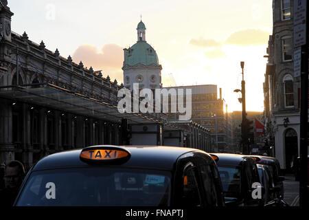 View of taxi cabss parked near Smithfield Market, on Charterhouse Street, in (Smithfields)  Farringdon London UK - Stock Photo