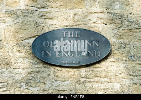 The Oldest Inn In England sign on The Royalist hotel. Stow on the Wold, Gloucestershire, Cotswolds, England - Stock Photo