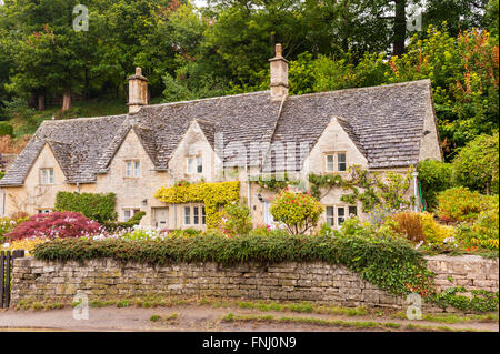 cotswold cottage bibury stockfoto lizenzfreies bild 2942045 alamy. Black Bedroom Furniture Sets. Home Design Ideas