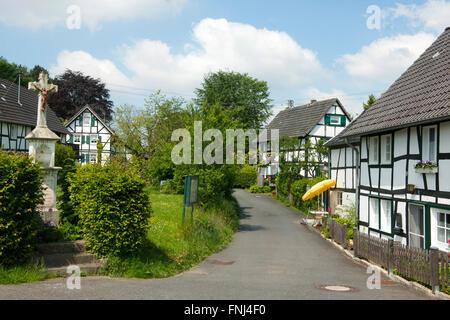 Deutschland, Rhein-Sieg-Kreis, Lohmar, Muchensiefen - Stock Photo
